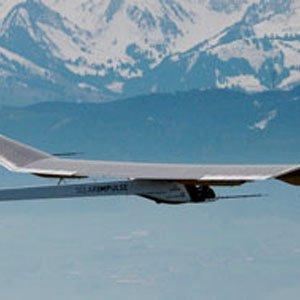 Letí kolem světa bez paliva